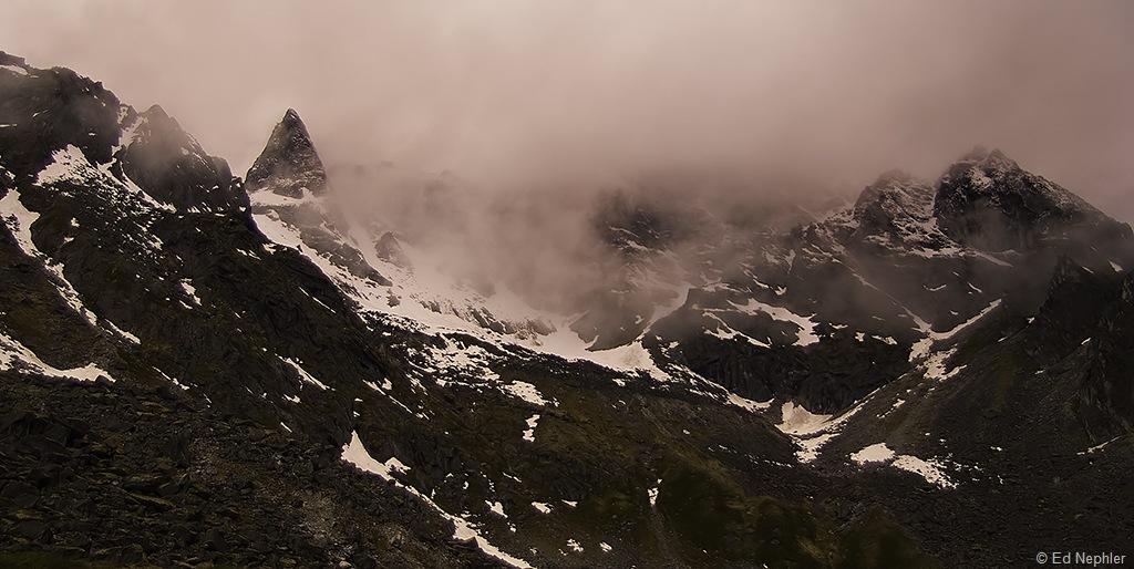 Foggy n Snowy Peaks 061810.01.1024
