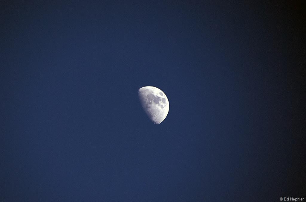 Moon 042210.01.1024